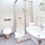 """behagliches Duschbad im Hostel """"Zimmer frei"""""""